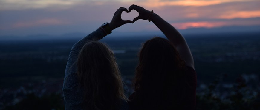 cinco-cosas-que-regalarle-a-la-novia-cuando-se-trata-de-tu-mejor-amiga-ii